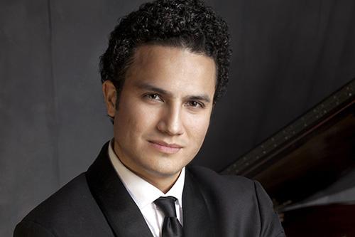 Abdiel Vázquez - pianist